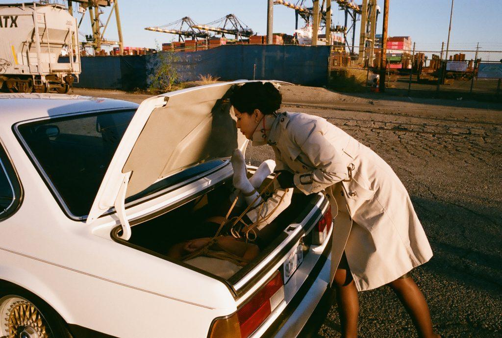 Los Angeles Mistress Iris kidnaps her pray